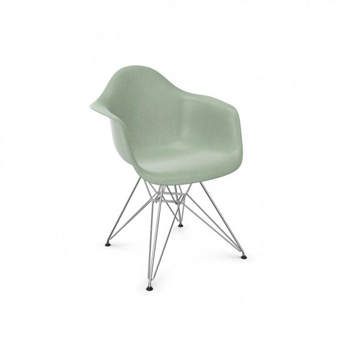 Eames Fiberglass Armchair DAR