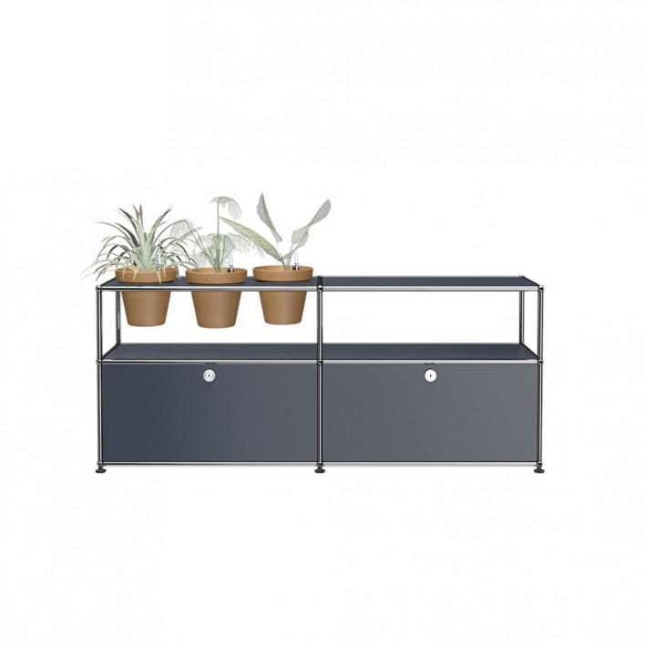 Sideboard mit 3 Pflanzen