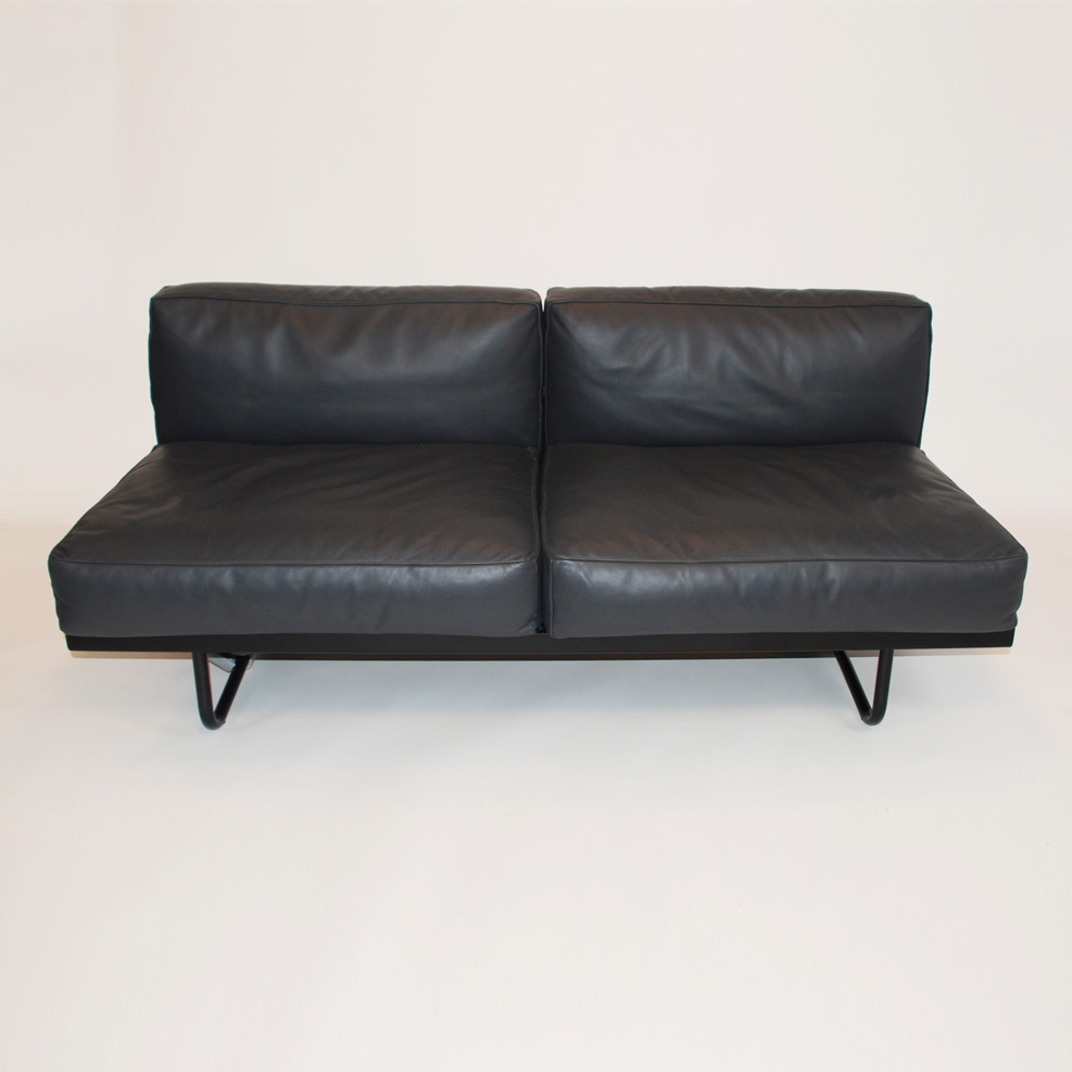 lc 5 sofa von cassina design gebraucht stoll online shop. Black Bedroom Furniture Sets. Home Design Ideas