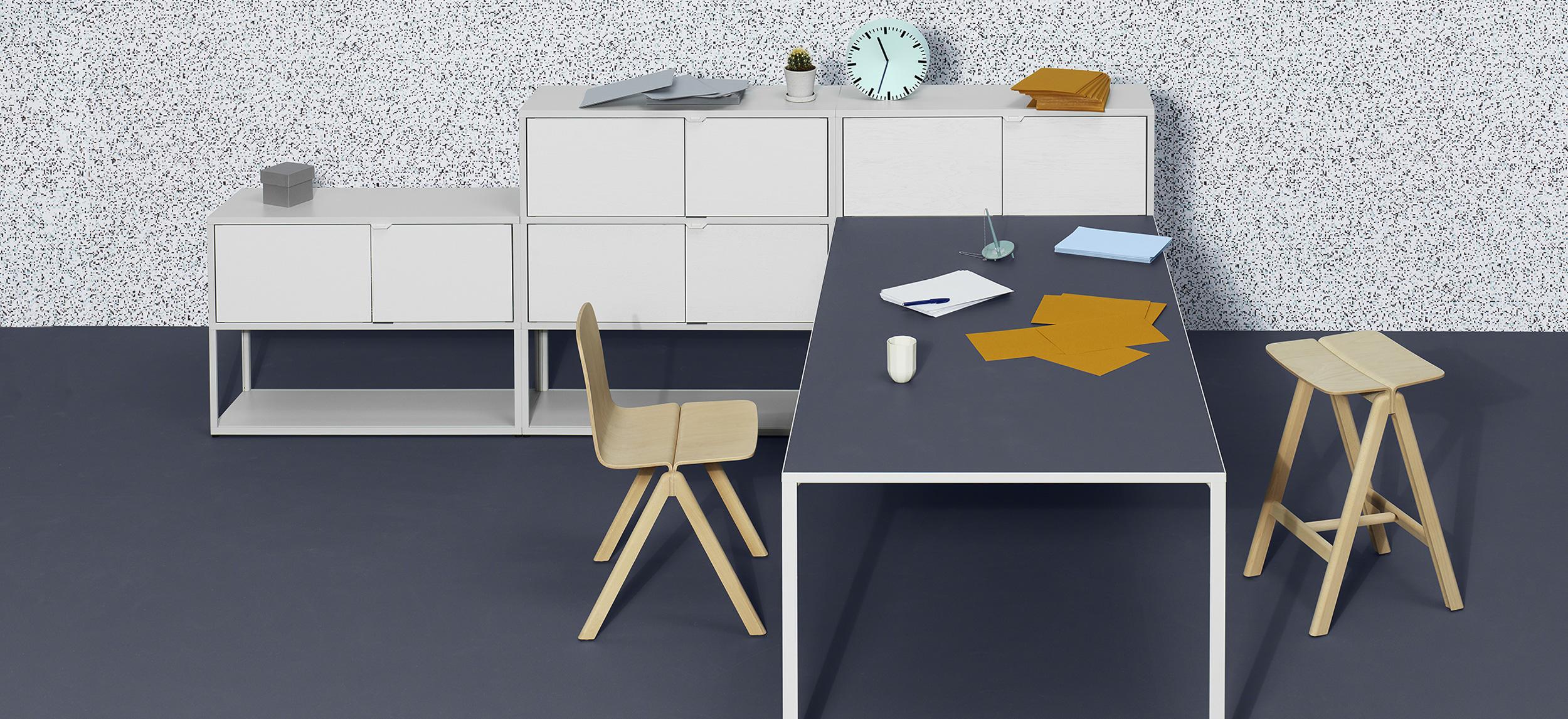 schreibtische tische produkte stoll online shop. Black Bedroom Furniture Sets. Home Design Ideas