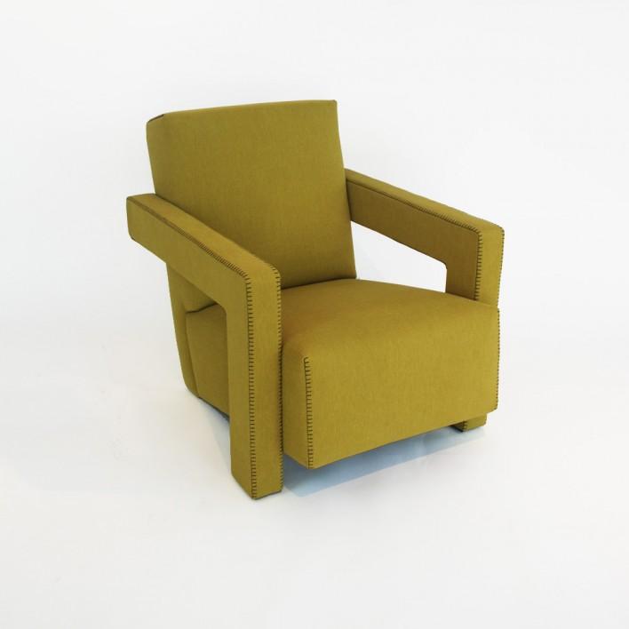 utrecht sessel von cassina ausstellungsst ck stoll online shop. Black Bedroom Furniture Sets. Home Design Ideas